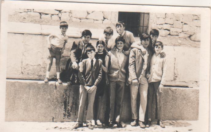 De izquierda a derecha: Jose Luis, Ángel, Juanito, Amelia, Manolo, Ignacio, Daniel, Pedro Juan, Antonio y Julián